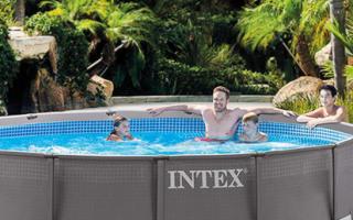 Как выбрать качественный бассейн для дачи